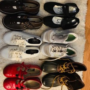 Girl shoes lot  size 1